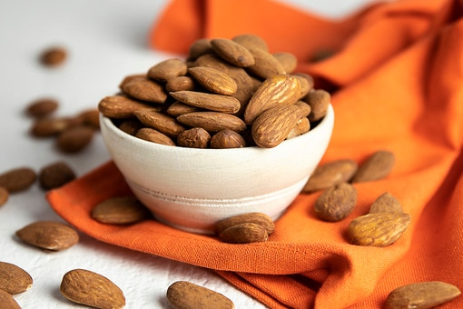 Organic Dry-Roasted Almonds (Unsalted)
