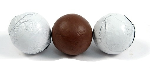Chocolate Foil Balls (White)