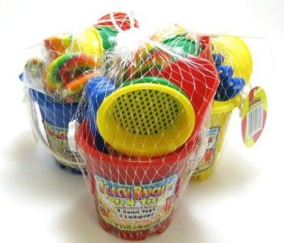 Link to Toys 'N Treats Beach Bucket